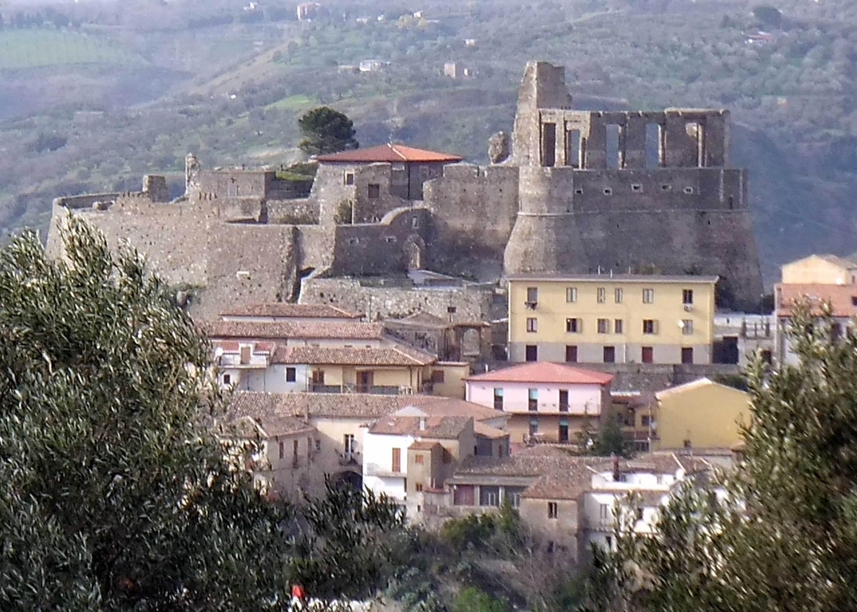 Laltra-visuale-del-Castelllo-Vito-Ciccarello